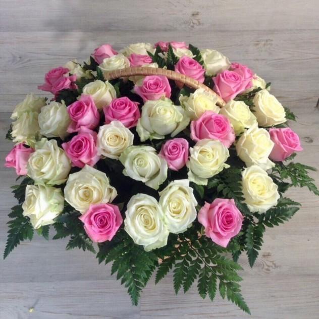 Корзина из 51 нежной розы