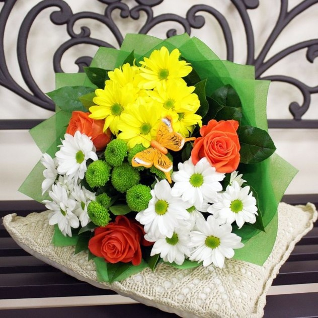 Хризантемы в розах